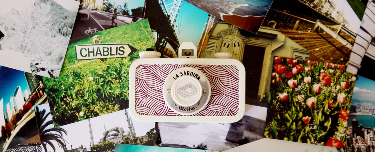 Lomography La Sardina Möbius edition and analogue photographs, back details