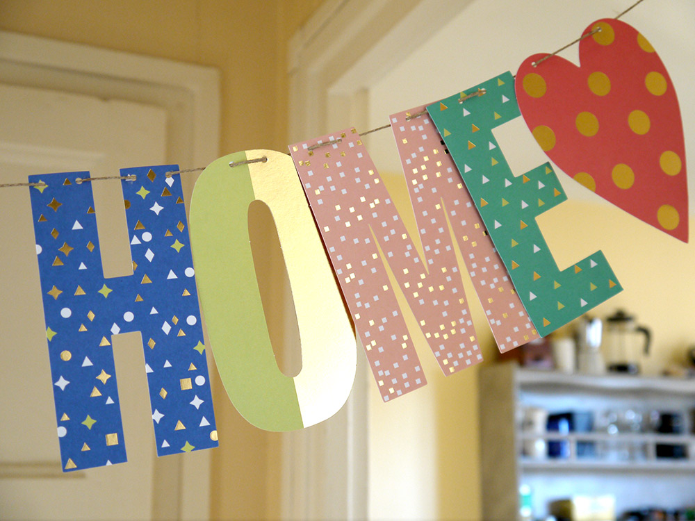 Paper Poetry 'Welcome Home' garland